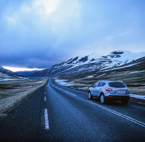 Nissan Qashqai на дорге в Исландии